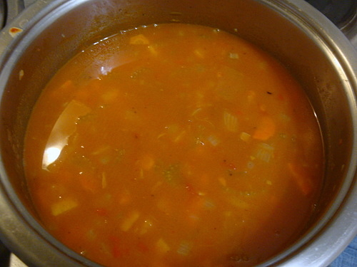 Густой томатный суп с мясом и овощами