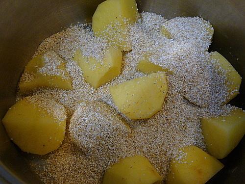 Каша ячневая с картофелем